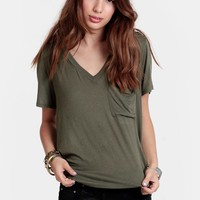 On the Daily Pocket V-Neck - Tees - Tops - Clothing