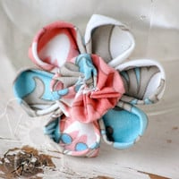 Cool Coral flower hair clip from VioletsBuds