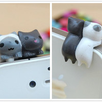 Cat Dust Plug- Miniature 3D Black White Twins Crouching Kitten Cat Phone Plug Charms Decoration 3.5mm Ear Cap iPhone 4 4S 5 iPad HTC Samsung