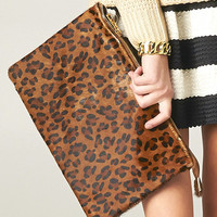 OVERSIZE LEATHER LEOPARD CLUTCH