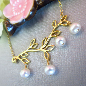 Gold leaf branch ivory pearl necklace