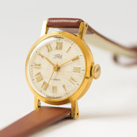 Gold plated women's watch Zarja retro wristwatch small feminine vintage watch premium leather