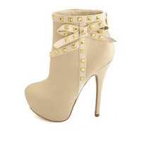 STUDDED SIDE BOW HEEL BOOTIE