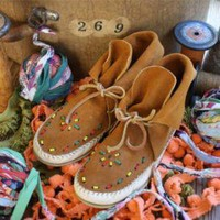 Vintage 60's Beaded Moccasins, Women's Vintage Clothing & Accessories