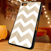 Chevron white wood iPhone 4/4s, Iphone 5, Samsung Galaxy S3, Samsung S4, Blackberry Z10, Ipod 4 and Ipod 5