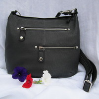 Gun Tote'n Mamas Chrome Zippered Concealed Carry Handbag (Black Leather)