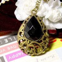The Dark Shadows Gem Necklace