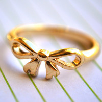 Golden Ribbon Ring