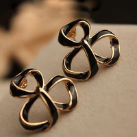 Gold Trim Clover Fashion Earrings