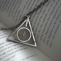Rotating Deathly Hallows Necklace - Harry Potter Necklace