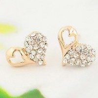 Gold Heart In Contrast Rhinestone Earrings