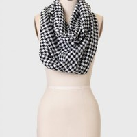 Holloway Houndstooth Infinity Scarf