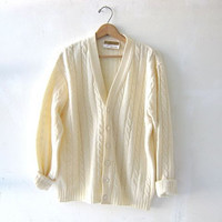 STOREWIDE SALE... vintage cream sweater. oversized sweater. cardigan sweater.