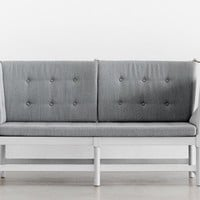 Mjölk : Spoke back sofa by Borge Mogensen