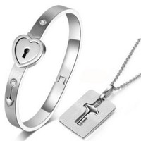 New Stainless Steel Bracelet Love Heart Lock Bangle Key Pendants Necklace Clasp