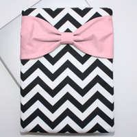 MacBook Pro / Air Case, Laptop Sleeve - Black and White Chevron Medium Pink Bow - Double Padded