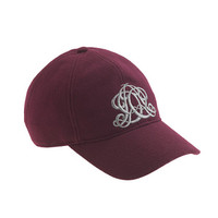 EMBROIDERED EMBLEM BASEBALL CAP IN BURGUNDY