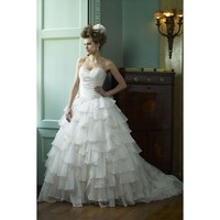 Sweetheart Sweep Train Wedding Dress
