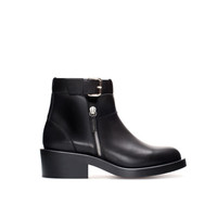 FLAT LEATHER ANKLE BOOT WITH BUCKLE