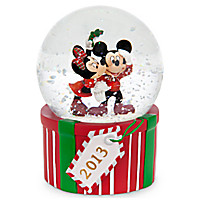 Mickey and Minnie Mouse 2013 Snowglobe