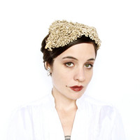 Vintage Ivory Crochet Lace Headpiece . Lovely 1950s Wedding Hat