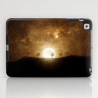 Full Moon Preludio iPad Case by Viviana González