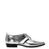 METALLISED BLUCHERS WITH PINKING DETAIL - WOMEN'S FOOTWEAR - WOMAN - PULL&BEAR United Kingdom