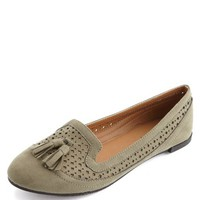 PERFORATED TASSEL TRIM LOAFER
