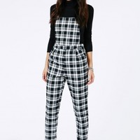 Missguided - Kayah Tartan Dungarees In Black