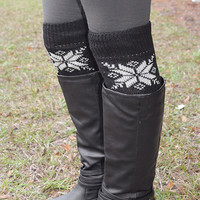 Dusting Of Snow Legwarmers: Black/White