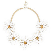 WHITE 3D FLOWER SHORT STATEMENT NECKLACE