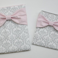 Coordinating Set of Cases - Matching MacBook, iPad or Pad Mini, and Free Cosmetic Case - Gray and White Damask with Light Pink Bow - Padded