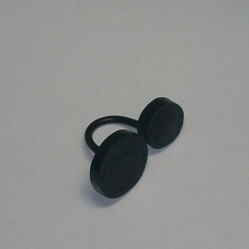 Black circle open ring